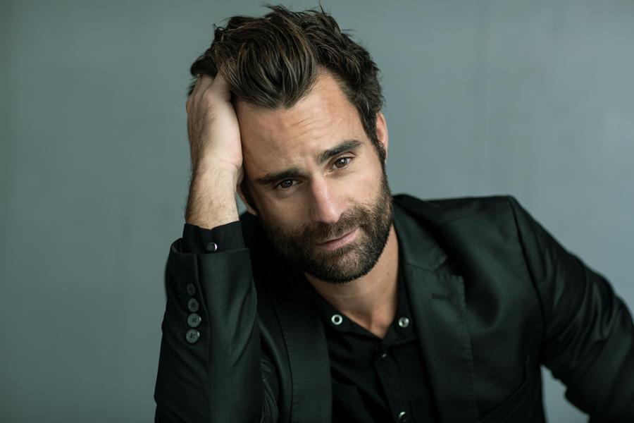 casting fotoshoot model acteur serieuze man