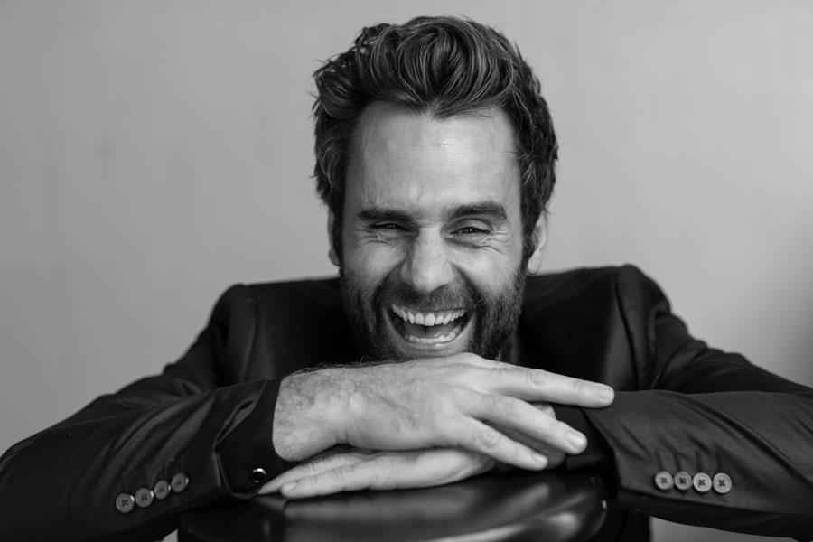casting fotoshoot model acteur spontane man zwart wit