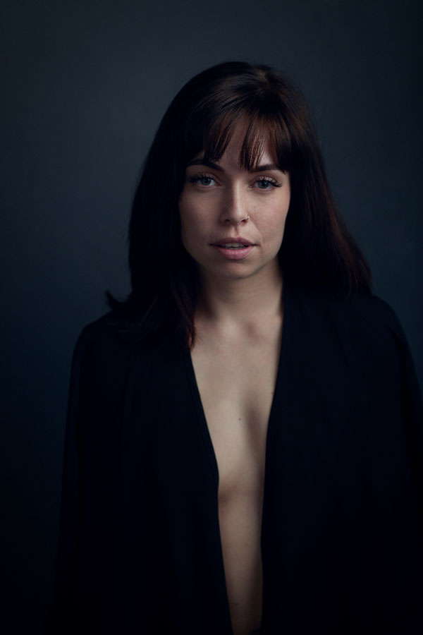 fotoshoot van vrouw donker portret sexy