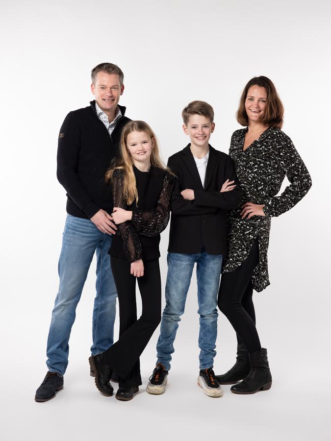 gezin met grote kinderen fotoshoot