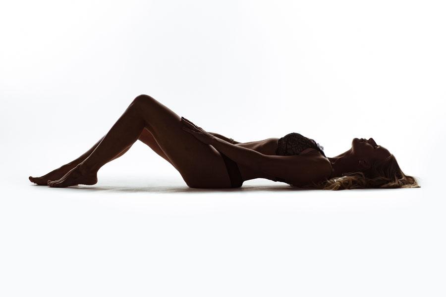 high key portret fotoshoot vrouw in lingerie