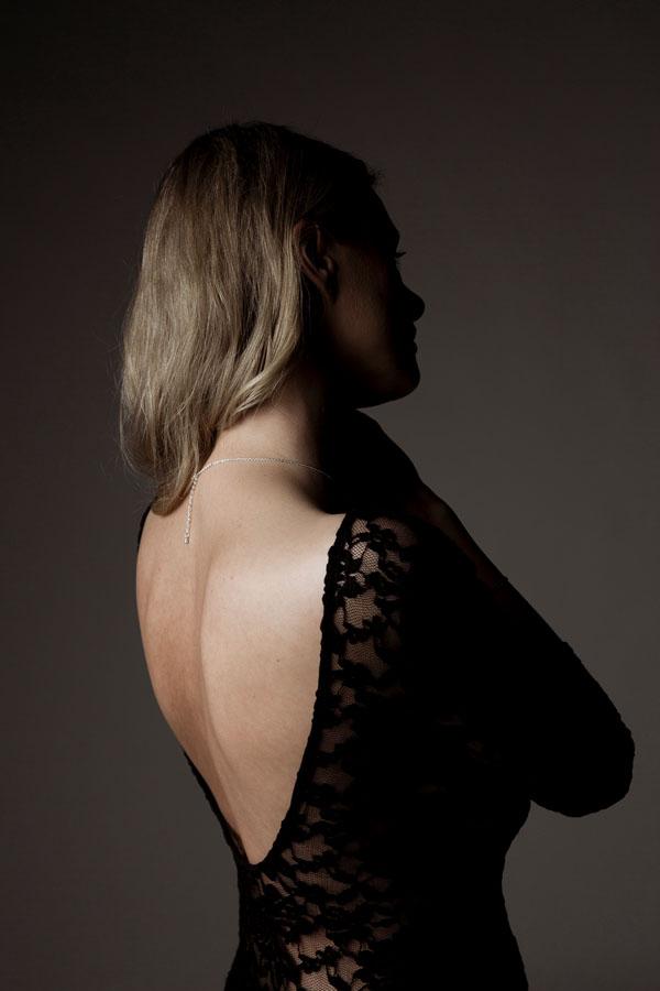sexy fotoshoot rug van vrouw