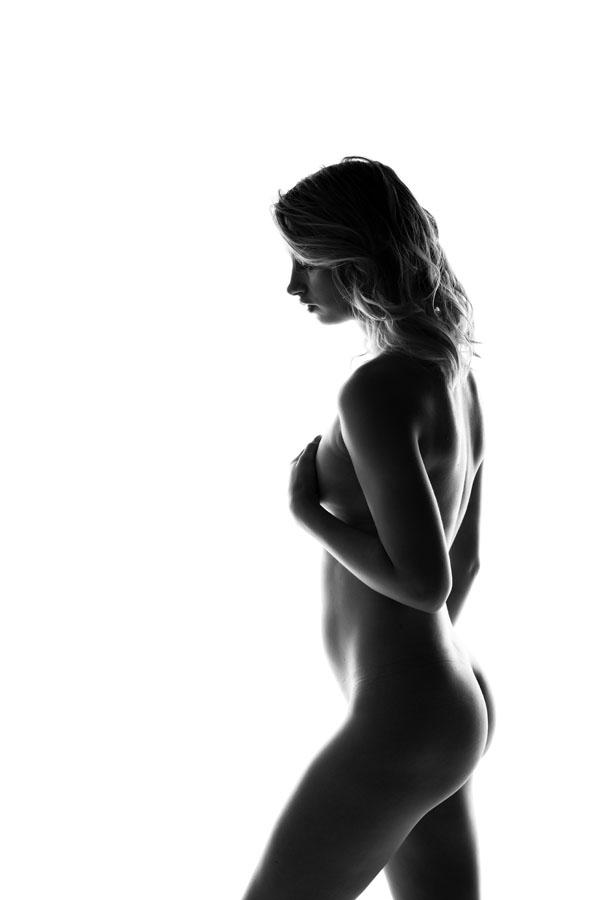 fotoshoot high key vrouw naakt